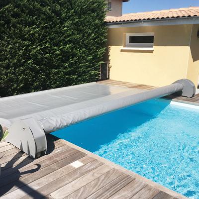 Conseils piscine : protégez votre piscine avec un système de sécurité.